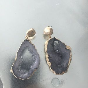 Jewelry - Beautiful gray and gold stone earrings